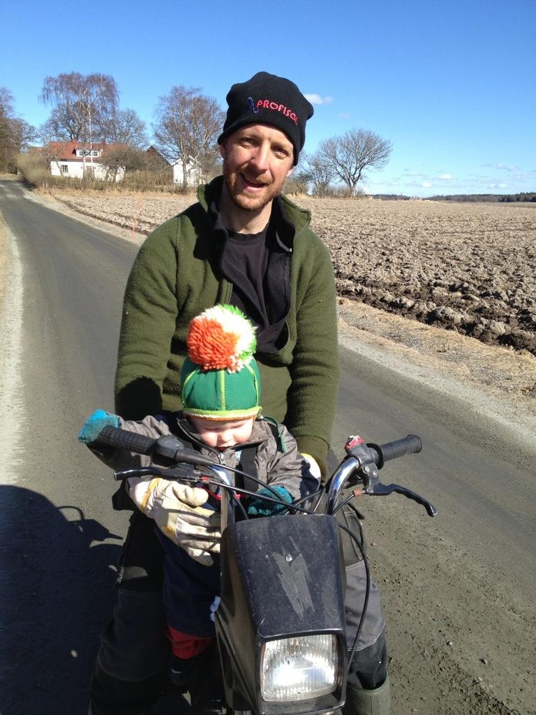 Ivar på mopeden